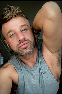 Experimental-Scouse Gay Male Escort Photo 2